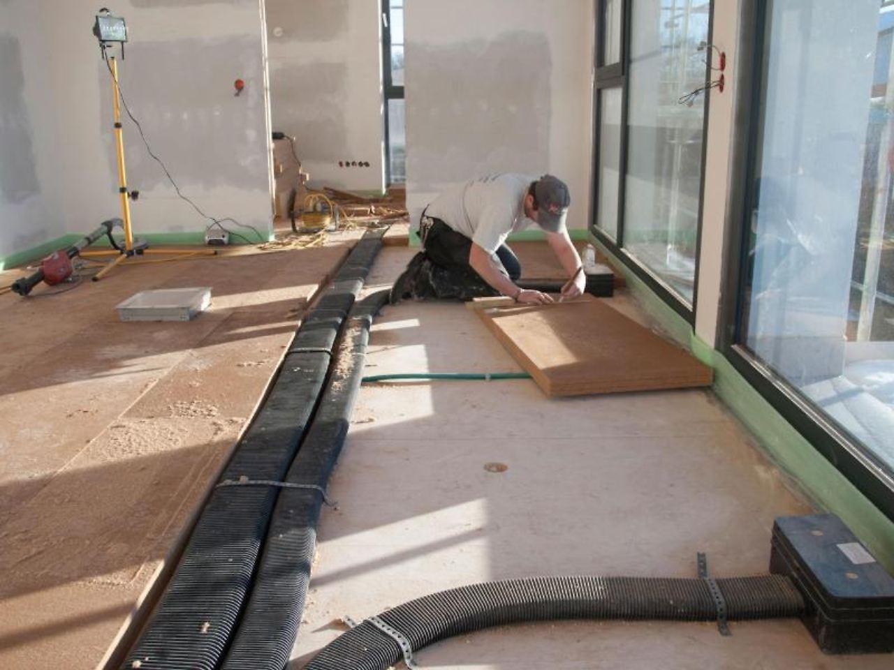 gegen feuchtigkeit und schadstoffe frische luft f r sanierungsobjekte n. Black Bedroom Furniture Sets. Home Design Ideas
