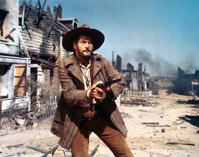 """""""Wenn bei John Ford jemand aus dem Fenster schaut, blickt er in eine strahlende Zukunft. Bei mir wird er erschossen."""""""