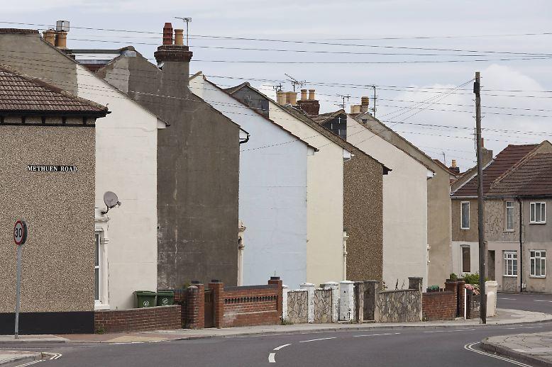 Wände und Mauern können sehr trist sein. Wer mag schon das eintönige Grau-in-Grau ganzer Häuserzeilen.