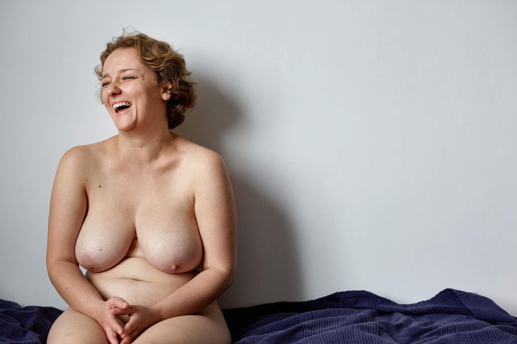 Nackt zeigen normale frauen sich Normale Nackte
