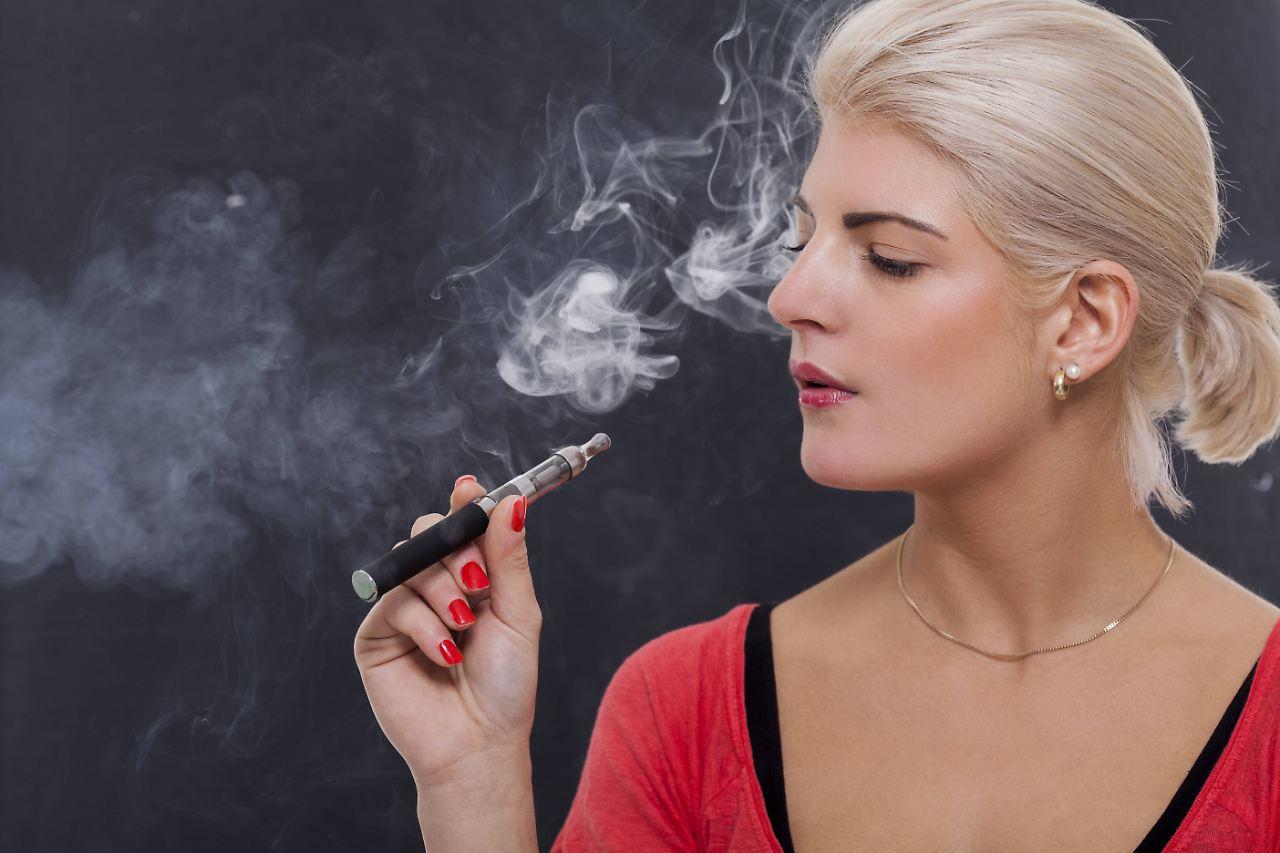 alles wissenswerte zur e zigarette rauchen sie noch oder dampfen sie schon n. Black Bedroom Furniture Sets. Home Design Ideas