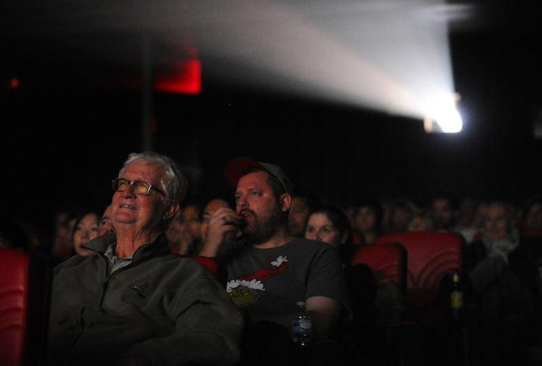 Ins Kino gehen Menschen meist, um sich in Traumwelten entführen zu lassen. Ein beliebtes Genre sind Science-Fiction-Filme. Doch die Zukunft, die sie zeigen, hat oft nur wenig mit dem zu tun, was am Ende auch eintritt. Das kann in manchen Fällen ...