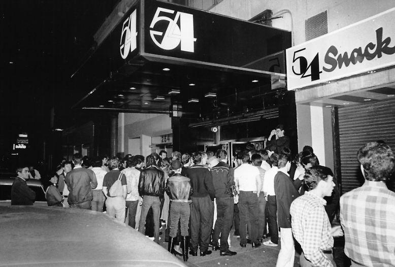 """Alles begann im legendären """"Studio 54"""". """"Der Club war ein Mekka für Sex, Freiheit und Fantasie - aber auch für Arbeit"""", erzählte Calvin Klein jüngst der italienischen """"Vogue""""."""