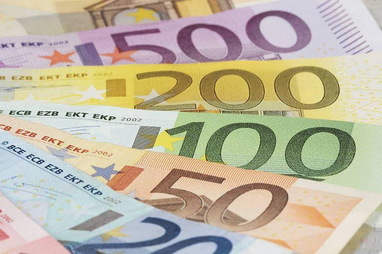 Der beste Weg zu einem hohen Einkommen? Eine akademische Ausbildung. Das legt zumindest die neue Studie des Vergütungsportals Gehalt.de nahe. Ärzte, Account-Manager und Fondsmanager führen die Tabelle der Top-Gehälter in Deutschland an.