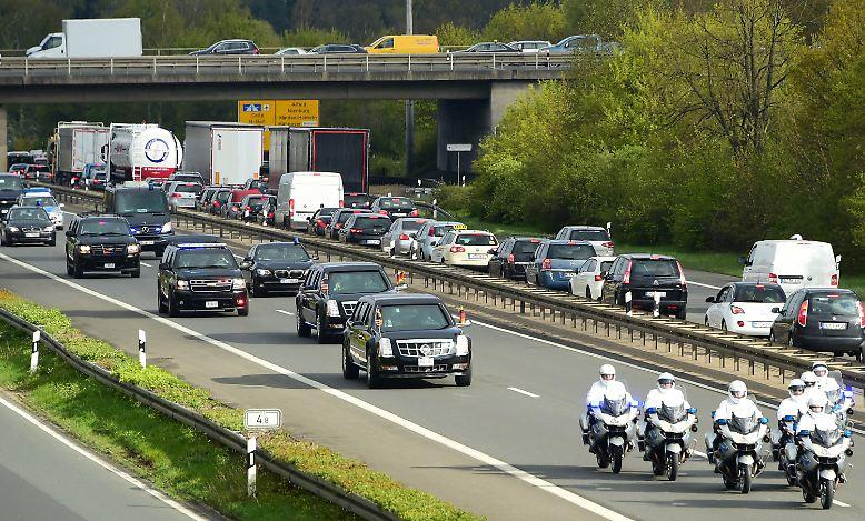 Der Potus (President of the United States) ist zu Gast in Hannover und gibt sich auf dem Weg von seiner Unterkunft in Isernhagen nach Hannover mit nicht weniger als der halben Autobahn zufrieden.
