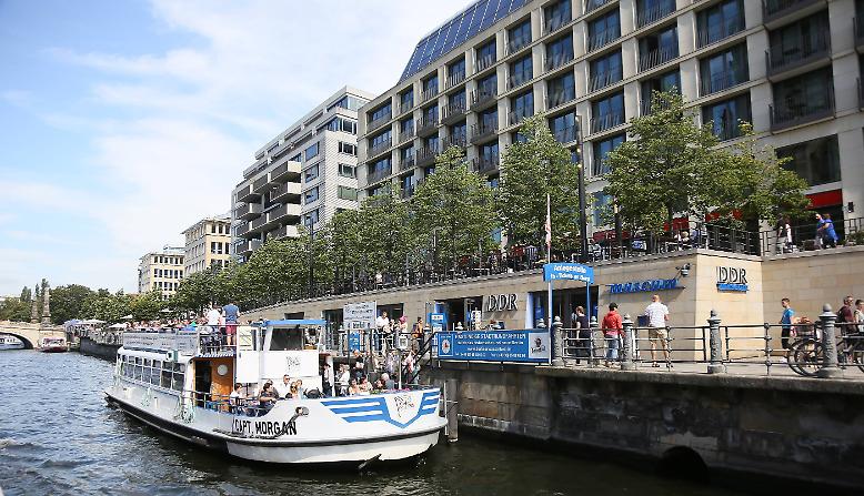 """Das """"DDR Museum"""" in Berlin direkt an der Spree, gegenüber vom Berliner Dom, beherbergt eine Dauerausstellung zum Leben und der Alltagskultur der DDR. Es besteht seit Juli 2006 und ist ein """"interaktives Museum"""", ..."""