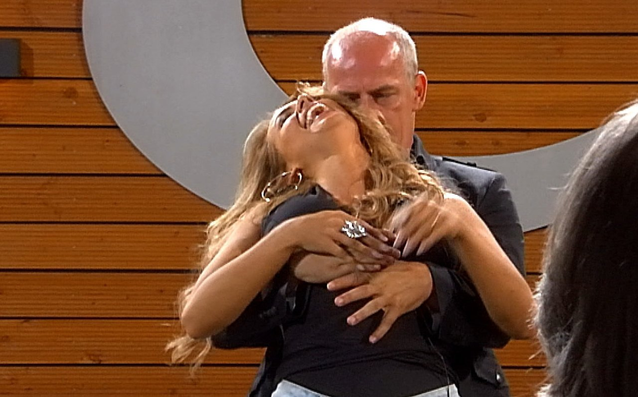 Promi Big Brother - Tag 10: Dirty Jessi macht alle Kerle