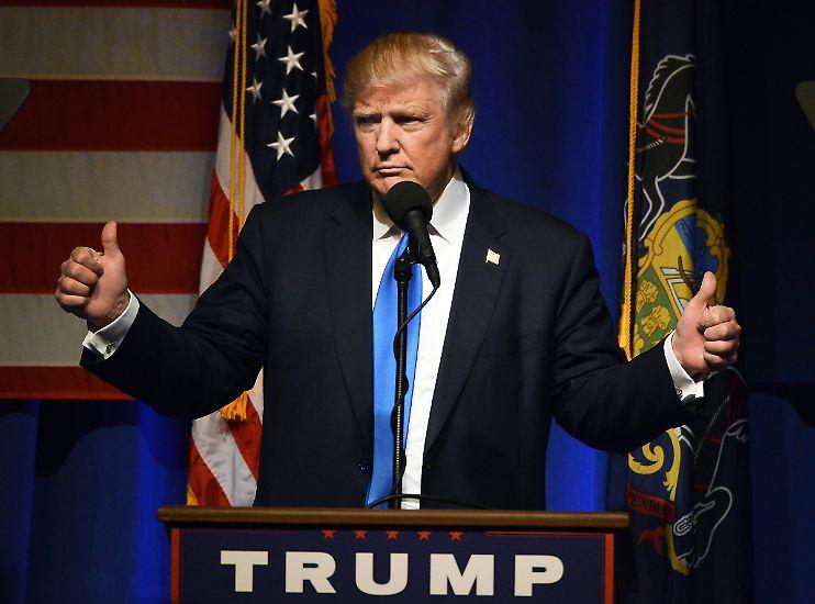 Die Kandidaten haben die letzten Reden gehalten, ...