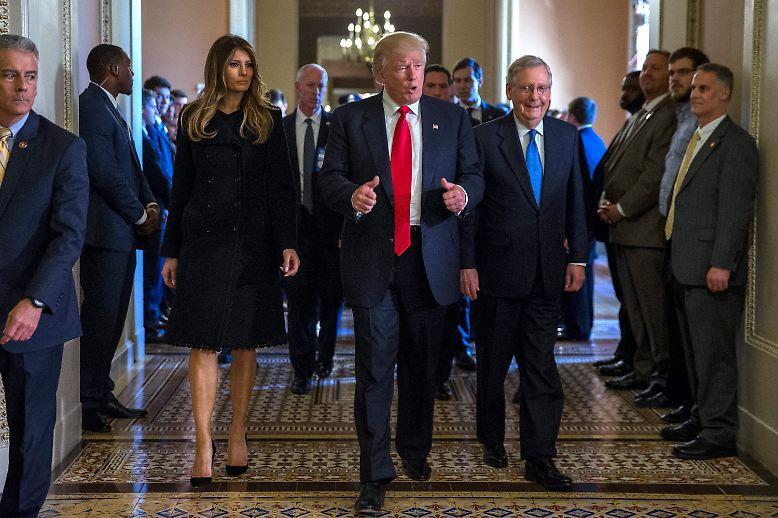 Donald Trump ist am Ziel. Erstmals als gewählter Präsident reist er nach Washington, um die Amtsübernahme im Januar vorzubereiten.