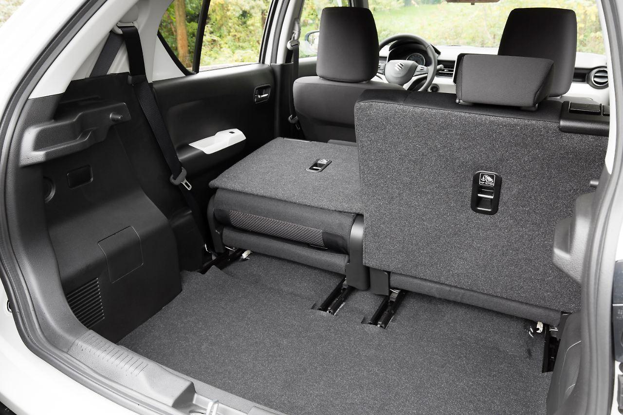 Der Kofferraum Des Suzuki Ignis Ist Erwartungsgemass Klein Wird Die Ruckbank Umgelegt Entsteht Eine