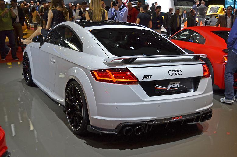 Bereits der serienmäßig verbaute 2,5-Liter-Otto-Motor des Audi TT RS leistet beachtliche 400 PS und 480 Newtonmeter. Nach der Optimierung durch Abt stehen jetzt 500 PS und 570 Newtonmeter im Datenblatt. Damit wäre der Abt TT RS-R stärker als jeder serienmäßige Audi TT, den es je gab.