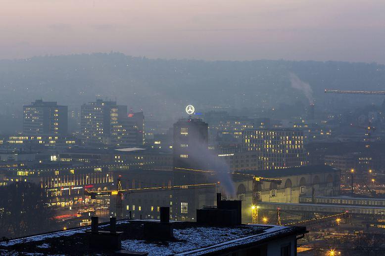 Hält die Mooswand das, was sie in Laborversuchen versprochen hat, dann wird das Pilotprojekt viele Nachahmer finden und in  Stuttgart kann man endlich aufatmen.