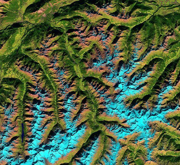 ... schauen die Satelliten auf die Erde hinab - hier zum Beispiel auf die Ötztaler Alpen. Die Sentinels registrieren kleinste ...