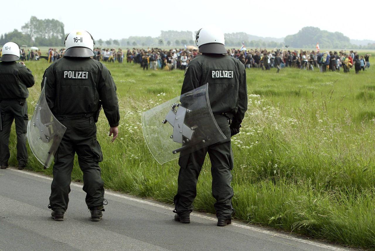 V Mann Polizei