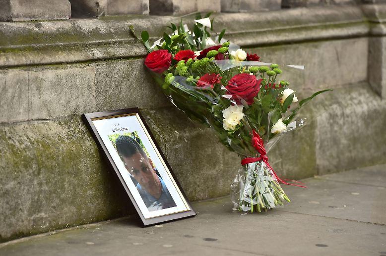 In London raste im März ein Angreifer ein Fahrzeug in eine Gruppe von Passanten und erstach anschließend einen Polizisten. (ghö/jug)