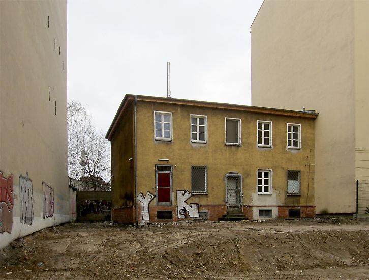 """""""Schatz, schau doch mal das kleine Haus da."""" (Bild: Müllerhaus in Berlin)"""