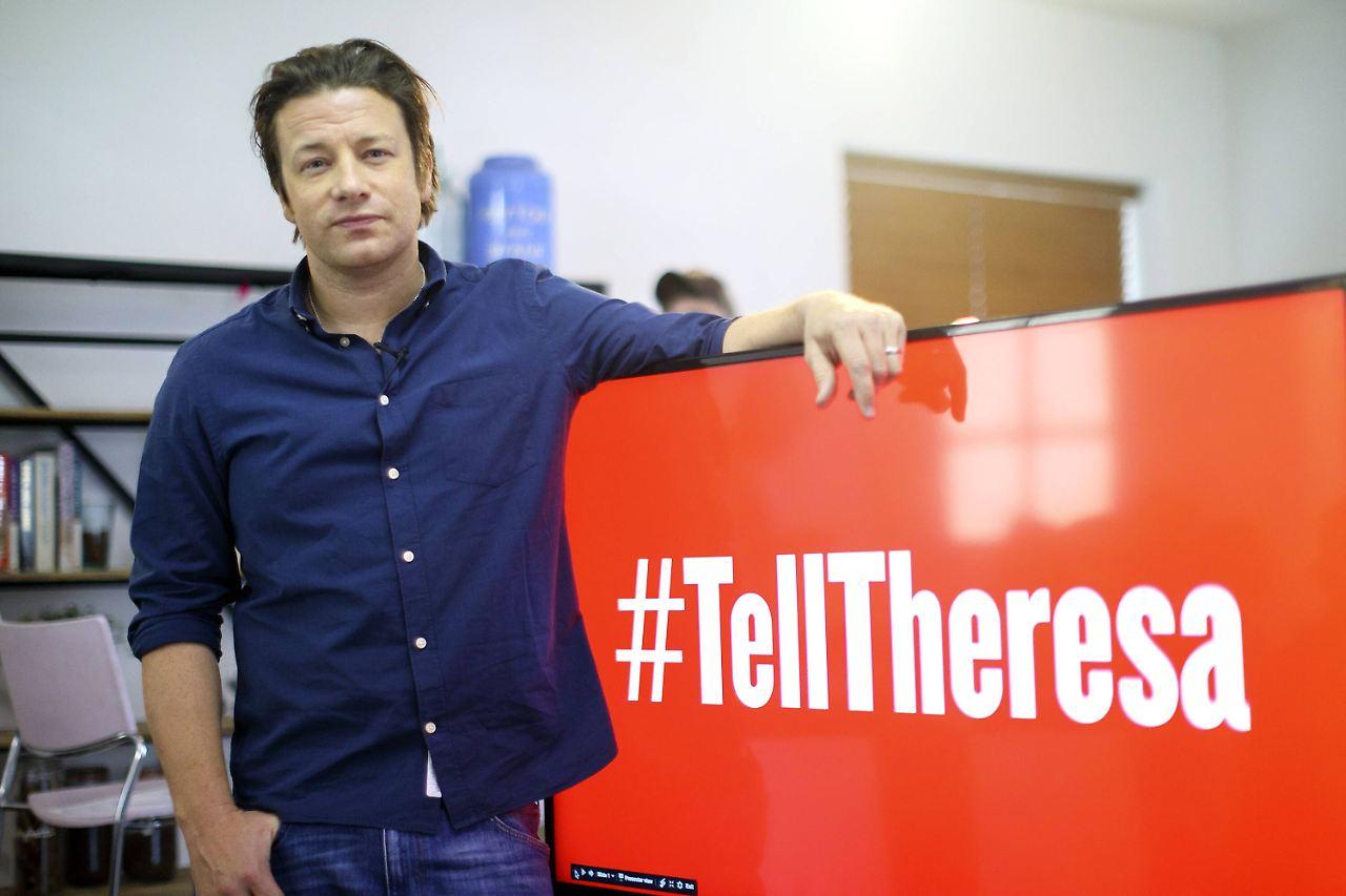 Streichpläne beim Schulessen - Jamie Oliver attackiert