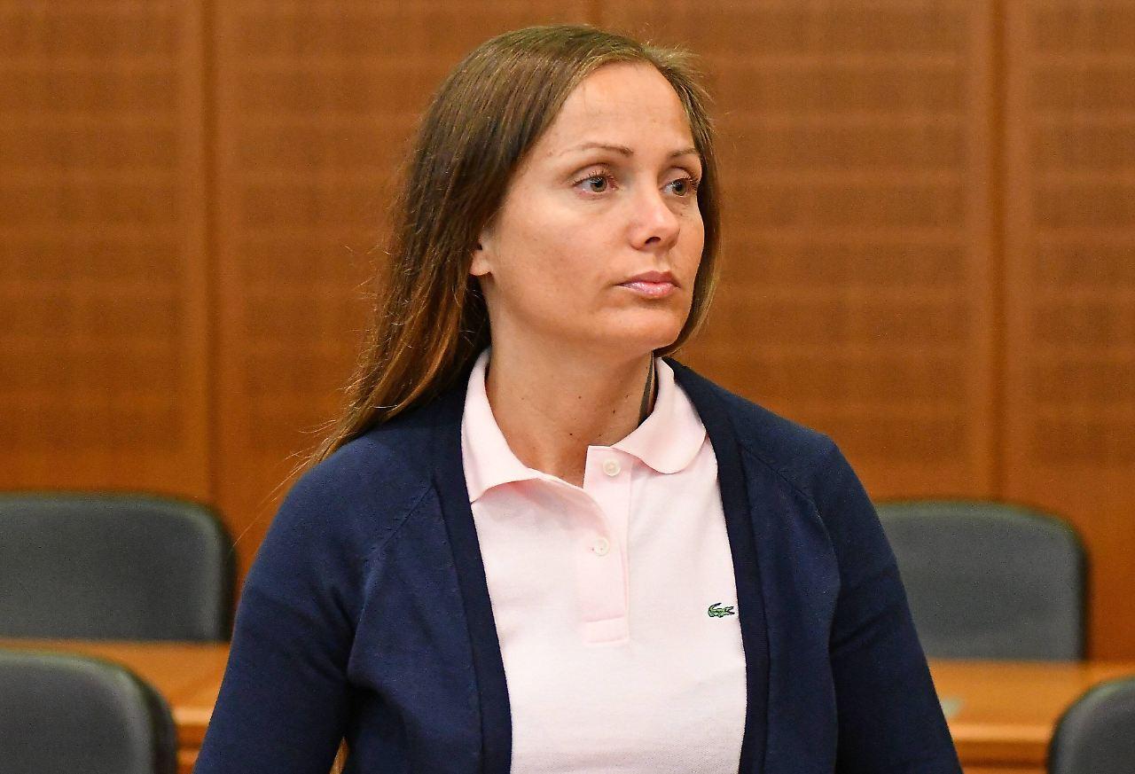 Rapperin vor Gericht: Schwesta Ewa gibt Schläge zu - n-tv.de