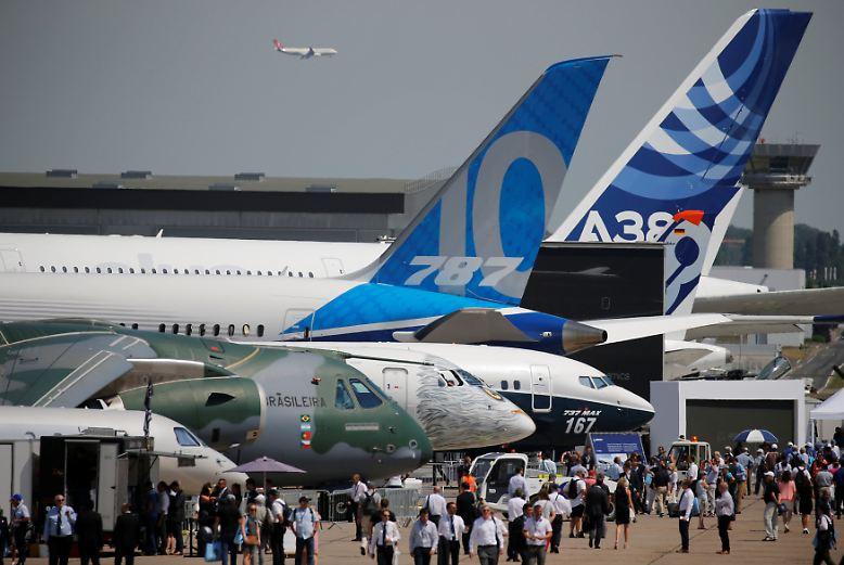 Weltgr te flugmesse bei paris airbus und boeing - Salon international de l aeronautique et de l espace ...