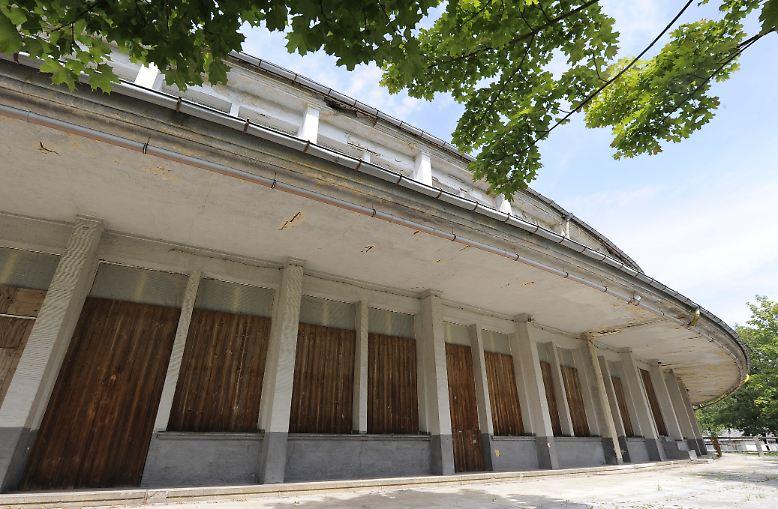 Jahrelang verfällt das Olympische Dorf von Berlin immer mehr.
