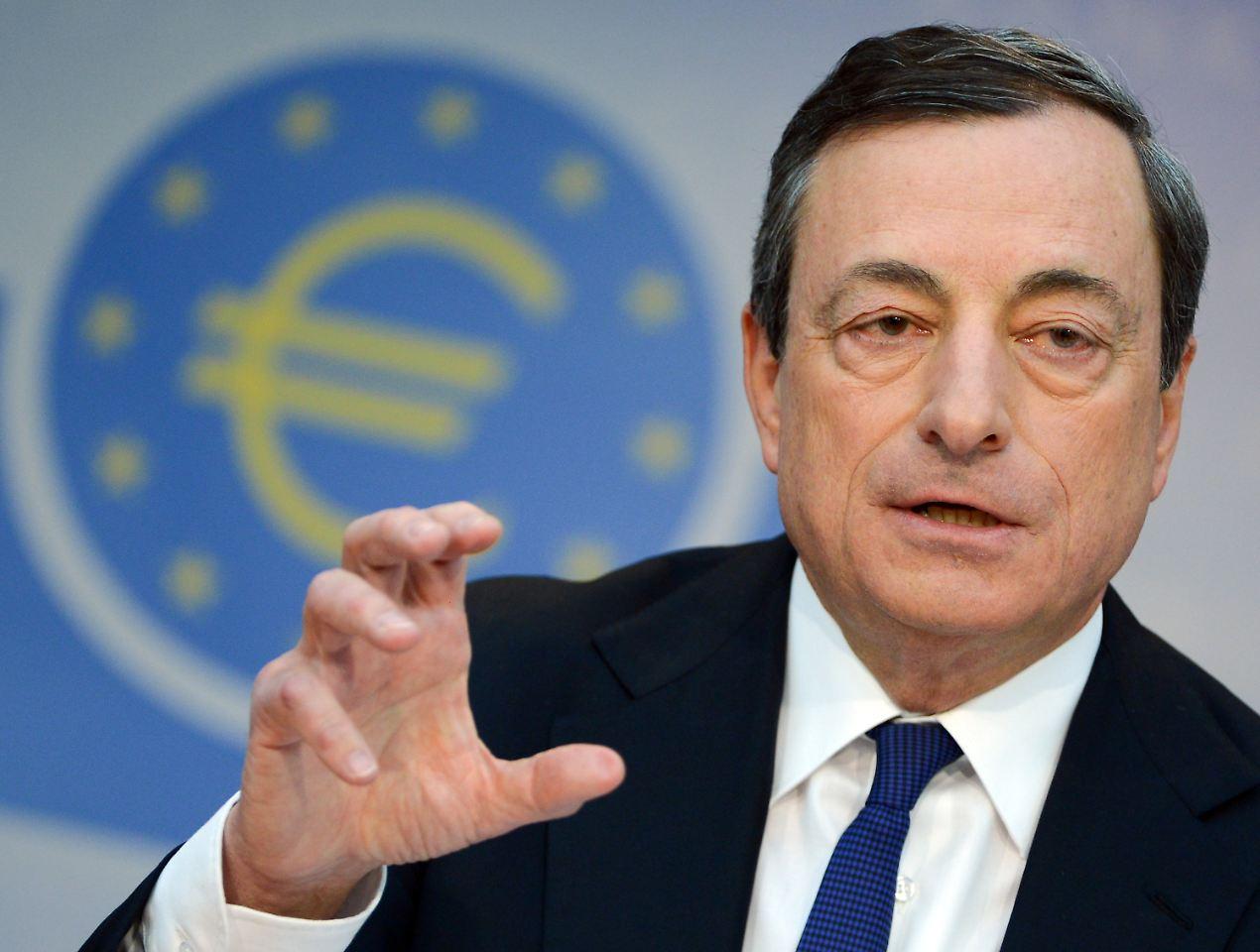 EZB trotzt Forderungen und hält an lockerer Geldpolitik fest