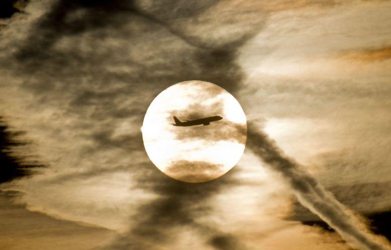 Es sind turbulente Zeiten für die Luftfahrtbranche. Den traditionellen Fluggesellschaften sitzen die Billigflieger im Nacken.