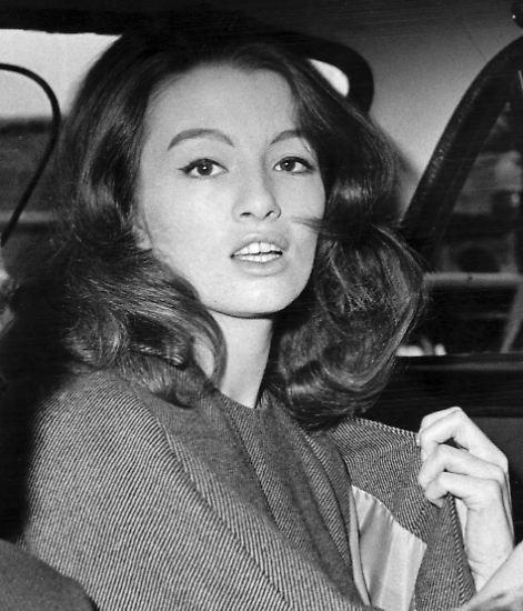 """Es war der """"Skandal des Jahrhunderts"""": Inmitten des Kalten Krieges verführt die schöne Britin Christine Keeler einige hochrangige Männer."""