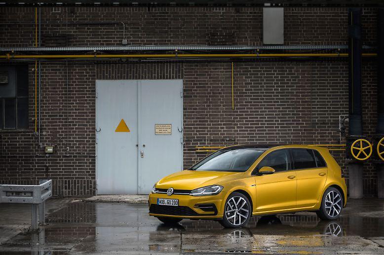 Der VW Golf war im vergangenen Jahr laut Statistik des Kraftfahrt-Bundesamtes (KBA) erneut ...
