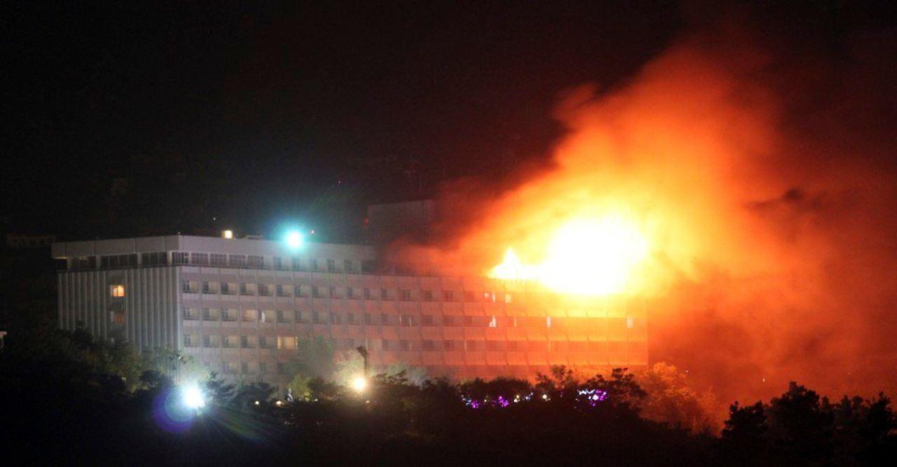 Bewaffnete attackieren Hotel in Kabul