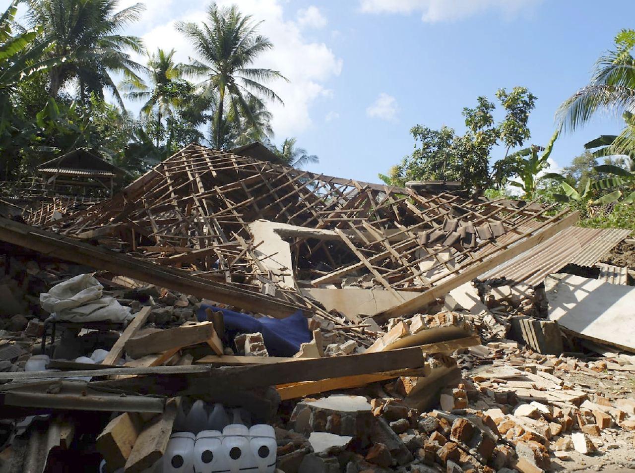 Image Result For Erdbeben Lombok
