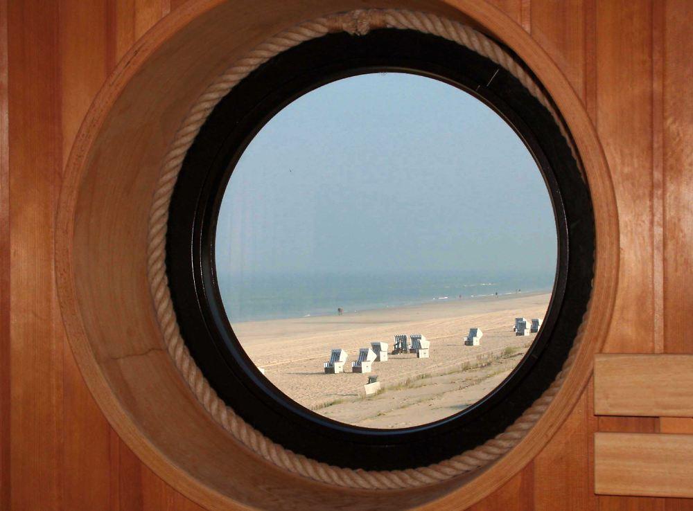 sauna sturm und einsame str nde sylt ist im winter angenehm leer n. Black Bedroom Furniture Sets. Home Design Ideas