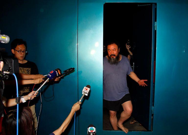 Nach zweieinhalb Monaten Gefängnis kann der prominente chinesische Künstler und Regimekritiker Ai Weiwei erst einmal aufatmen.