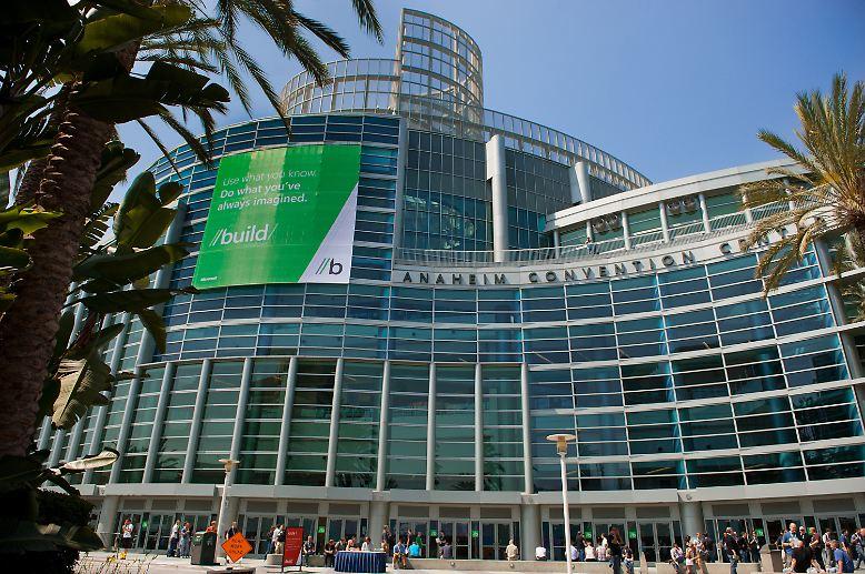 Microsoft hat auf seiner Entwicklerkonferenz Build im kalifornischen Anaheim eine erste Entwickler-Version seines kommenden Betriebssystems Windows 8 vorgestellt.