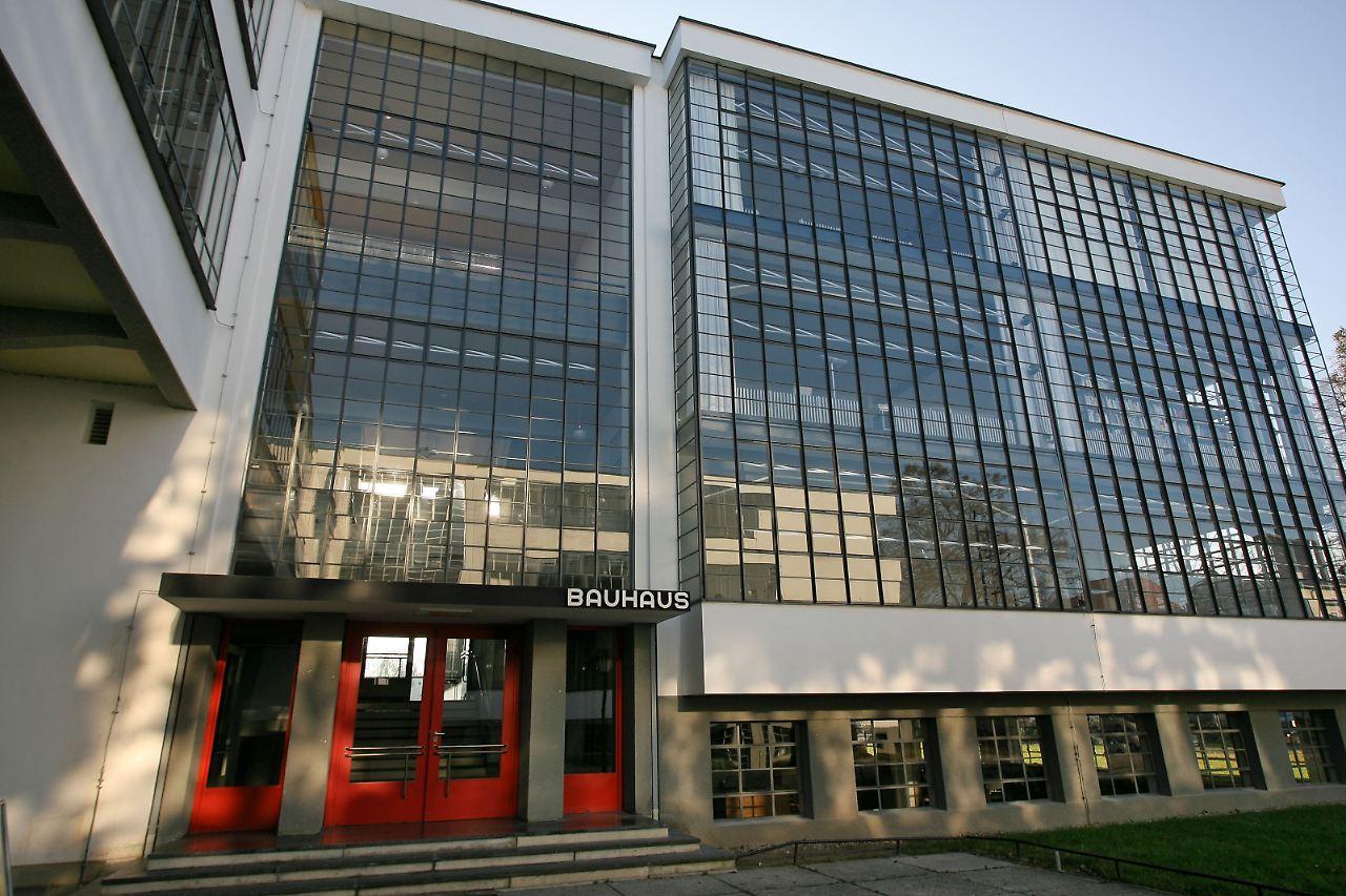 bauhaus siedlung dessau neues informationszentrum ffnet n. Black Bedroom Furniture Sets. Home Design Ideas