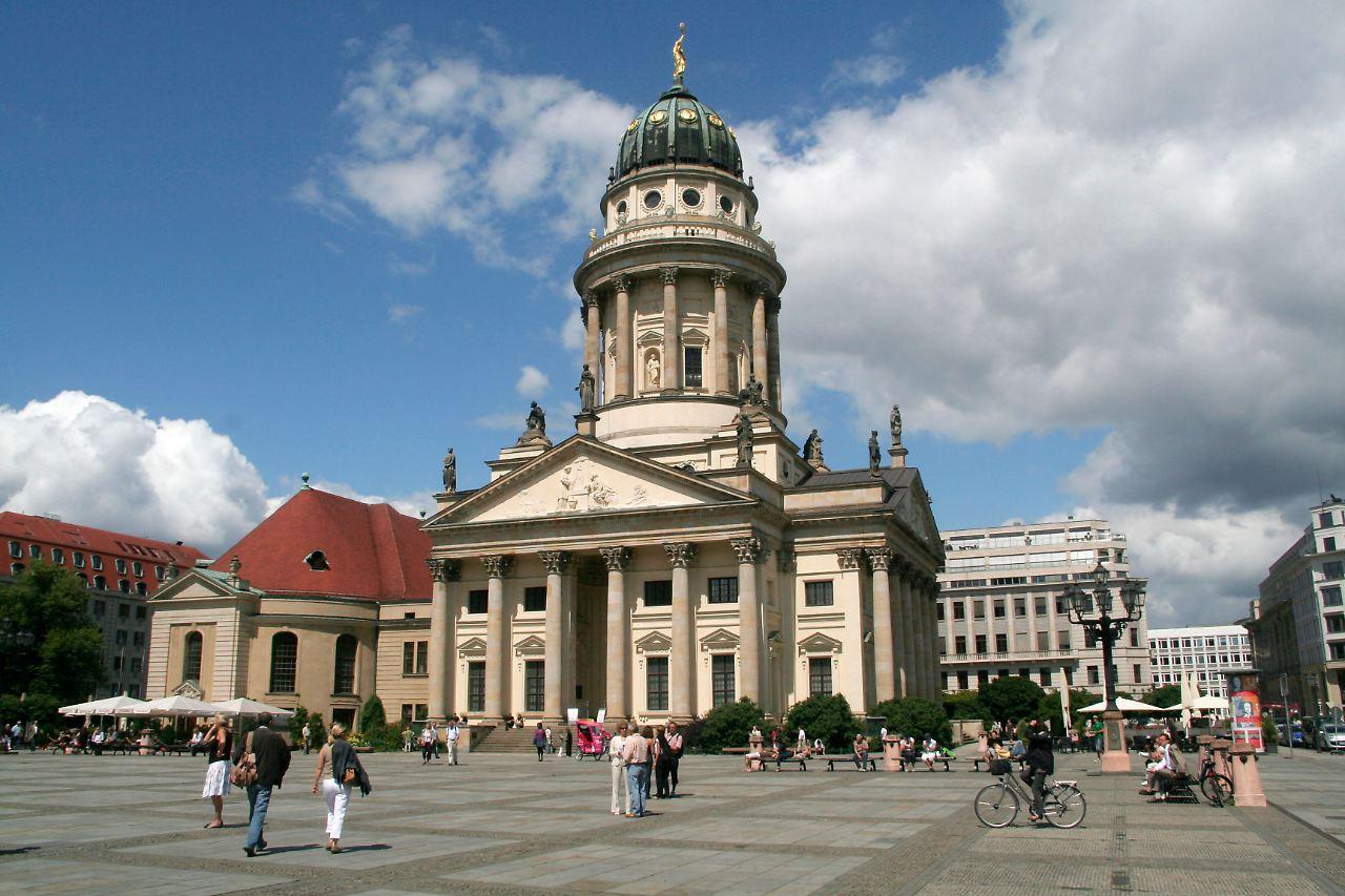Berlin Will Behutsam Erneuern Gendarmenmarkt Wird