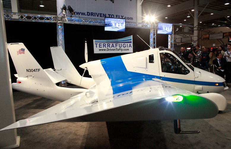 Wahrscheinlich bringt das skurrile Flug- und Fahrgerät Terrafugia, das viele auf der New Yorker Automesse faszinierte, ...