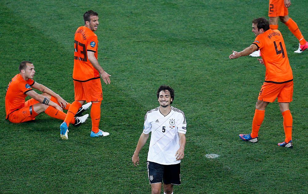 Warum Deutschland Hollands K.o. feiert: Mats grinst ...