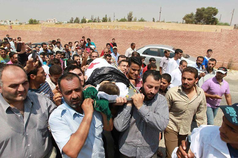 Ein Land auf der Flucht: Immer mehr Syrer ...