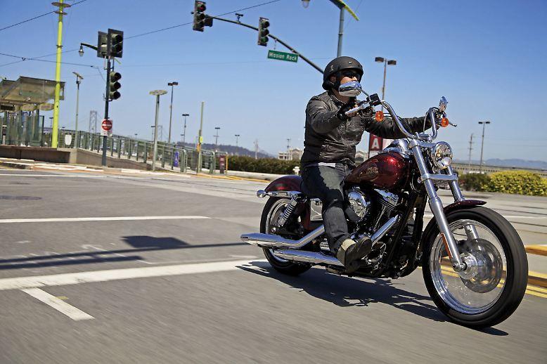 Harley-Davidson dreht weiter am Gashahn und flutet die Zylinder. Für das Modelljahr 2013, das Anfang Oktober 2012 beginnt, ...