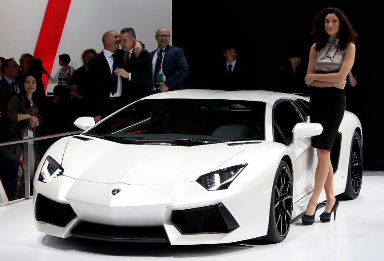 Wenn auf der Autoshow in Peking Lamborghini seine neuesten Boliden präsentiert, läuft tausenden Chinesen das Wasser im Mund zusammen. Doch leisten können sie sich einen solchen Wagen wohl nie. Aber aus Träumen wachsen ganz besondere Kräfte, ...