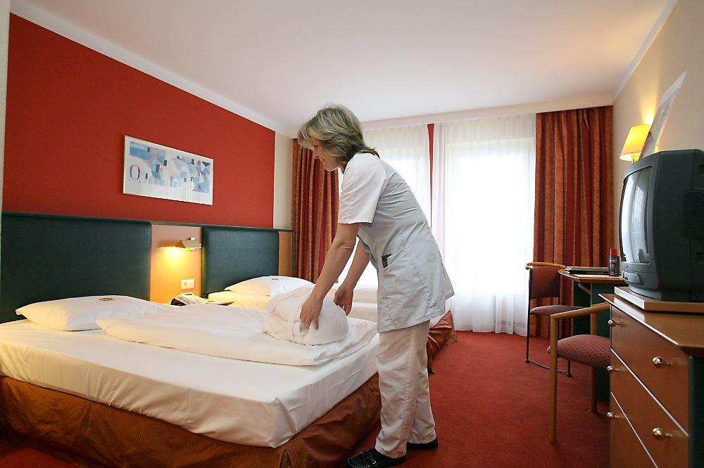 Musik im hotelzimmer plattenfirmen kriegen geb hr n for Hotelzimmer teilen