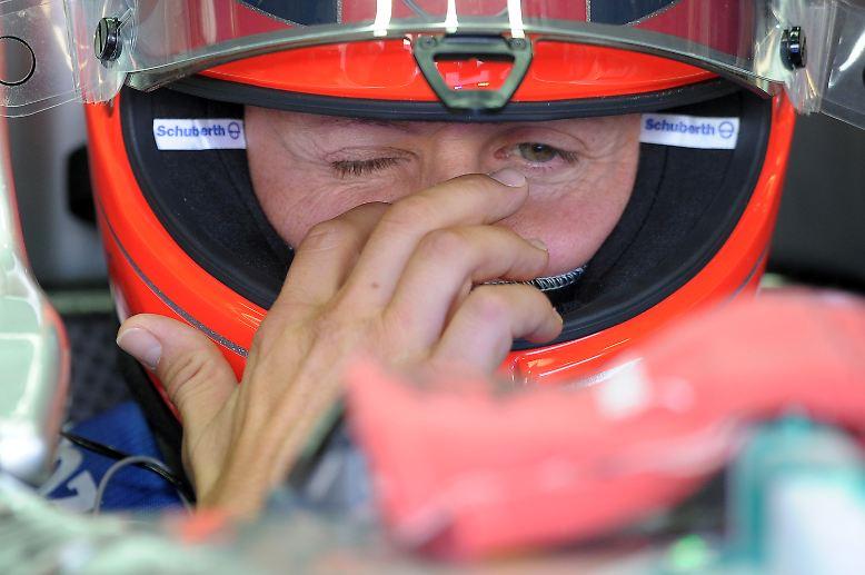 Formel-1-Weltmeister Michael Schumacher tritt - erneut - ab. Nach seinem ersten Rücktritt 2006, von dem er dann wieder zurücktrat, meint er es dieses Mal ernst.
