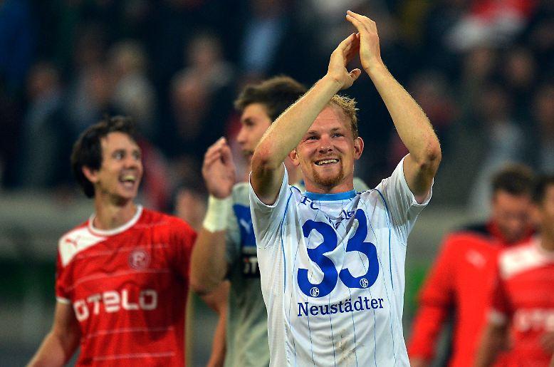 Düsseldorf statt Köln - die Zahl der Westduelle in der Fußball-Bundesliga hat sich nicht verringert. Die Fortuna empfing zum Auftakt des 6. Spieltags Schalke 04.