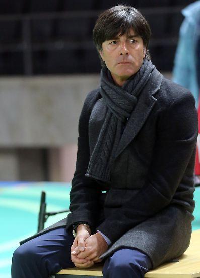 Dieser verrückte Fußballabend wird Joachim Löw und ...