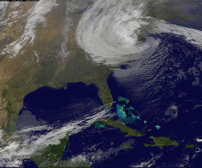 """Gegen 20.00 Uhr Ortszeit prallt """"Sandy"""" in der Nähe von Atlantic City auf die Küste der USA."""