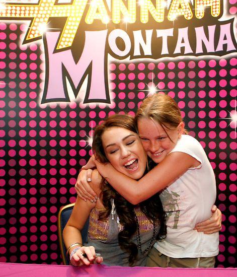Alle lieben Miley Cyrus! Der Disney-Star, der Jugendliche weltweit ausrasten lässt, wird - man glaubt es kaum - gerade mal 20 Jahre alt.