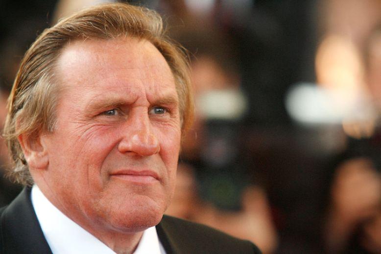 Für viele Fans wird es in Zukunft mindestens einen fahlen Beigeschmack haben, wenn Depardieu auf die Bühne tritt.
