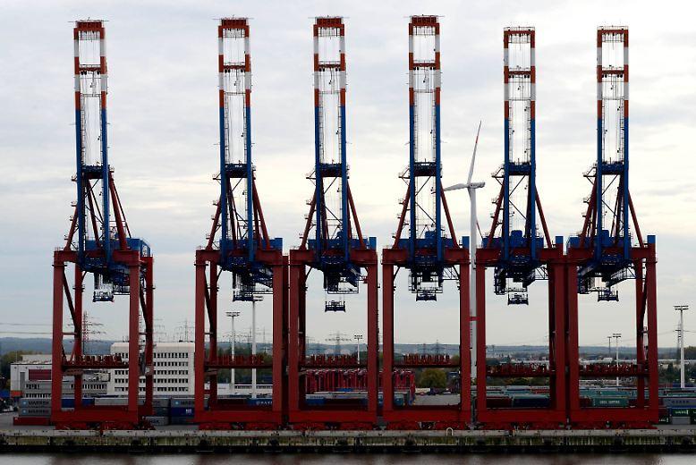 Die deutschen Exporteure eilen trotz Euro-Krise von Rekord zu Rekord: Im vergangenen Jahr wurde die im Vorjahr erstmals übertroffene Umsatzmarke von einer Billion Euro sogar schon im November geknackt.