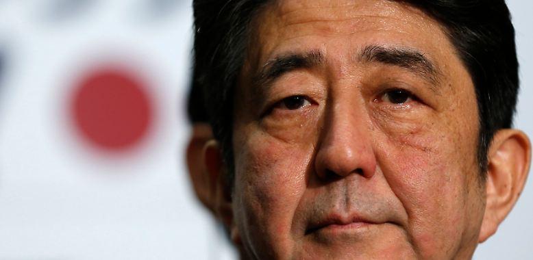 Japans neue Regierung unter Shinzo Abe gibt sich zum Auftakt völlig schmerzfrei. Ungeachtet der horrenden Staatsverschuldung in Japan ...