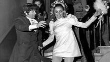 Roman Polanski und Sharon Tate feiern im Januar 1968 ihre Hochzeit.